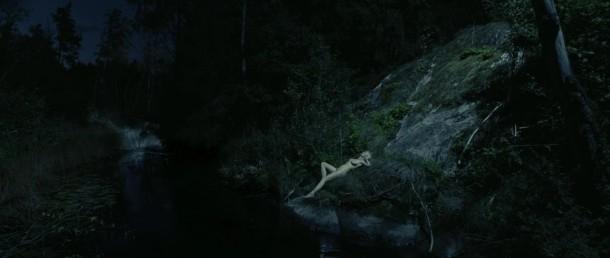 Kirsten Dunst, au clair de lune