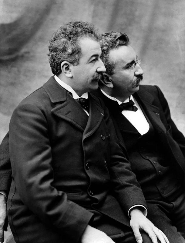 Auguste Lumière (à gauche) et son frère Louis (à droite)